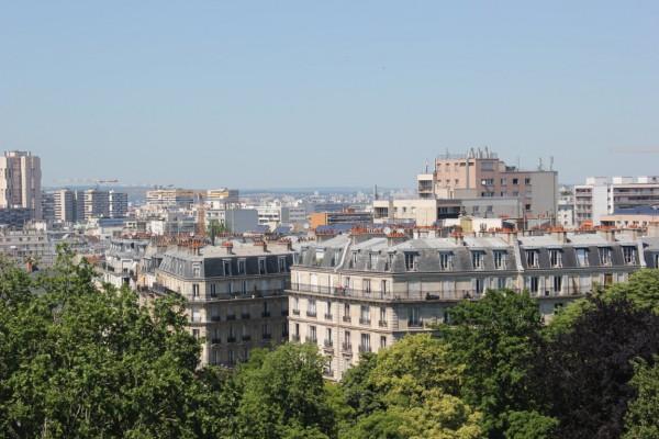 Vue sur Paris depuis les buttes Chaumont