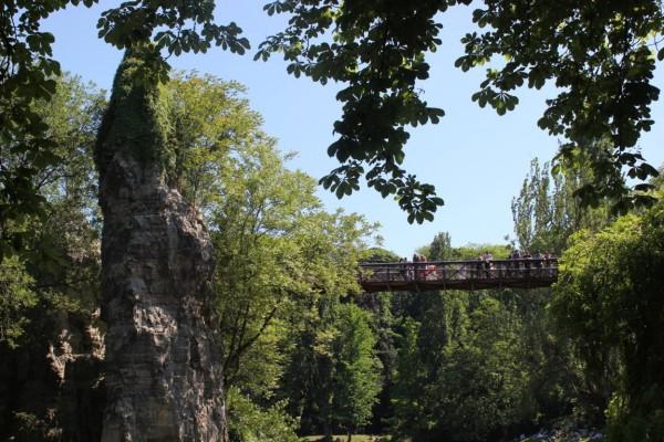 pont au parc des buttes chaumont