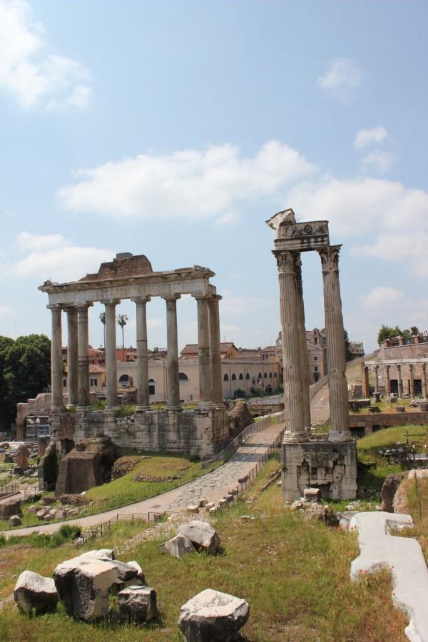 photo de colonnes du Forum à Rome