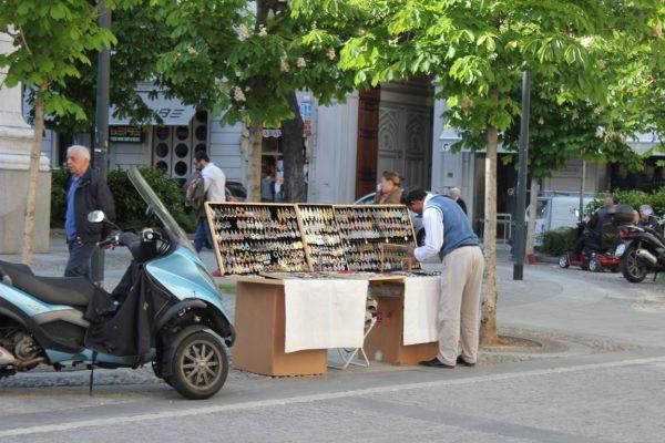 Vente dans une rue de milan