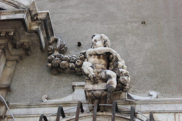 détail statue à gênes