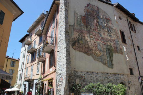 façade originale à Come
