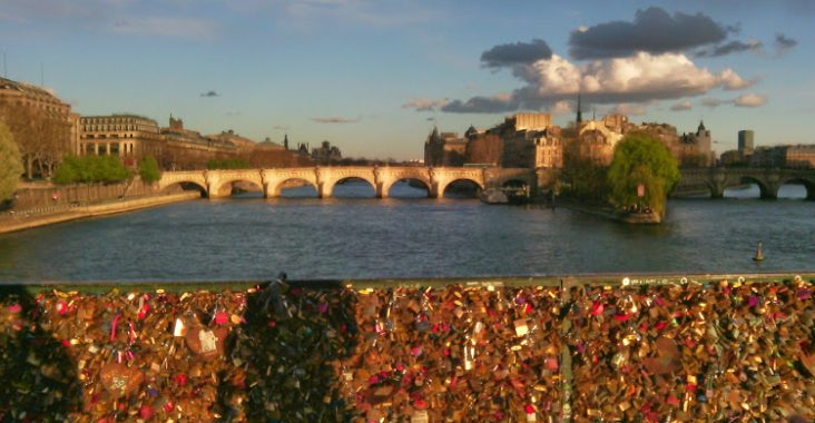 pont des arts - paris avec cadenas