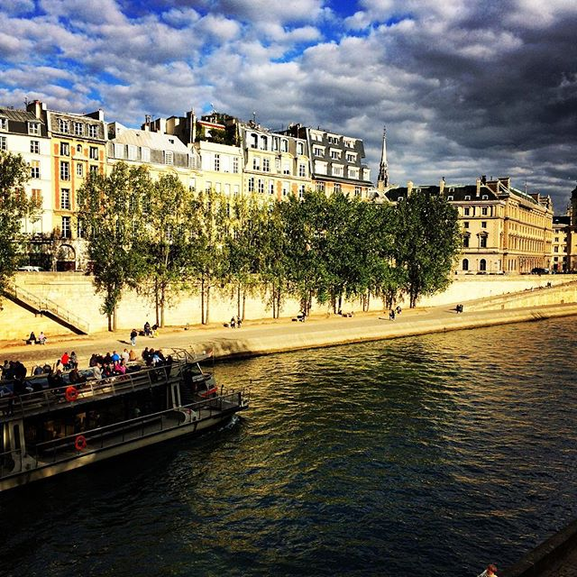 #Paris #seine #romantic #france #boat #walk