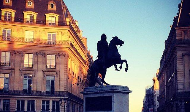 statue equestre place des victoires