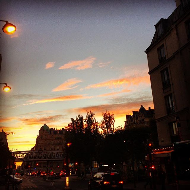 #paris #sunset #weekend #amazingsky #romantic #france