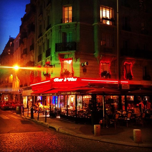 #paris #cafe #terrasse #chillin #sunset #france #weekend