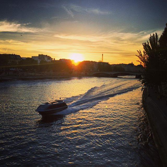 #Paris #seine #travel #weekend #romantique #pontdesarts #eiffeltower #trip