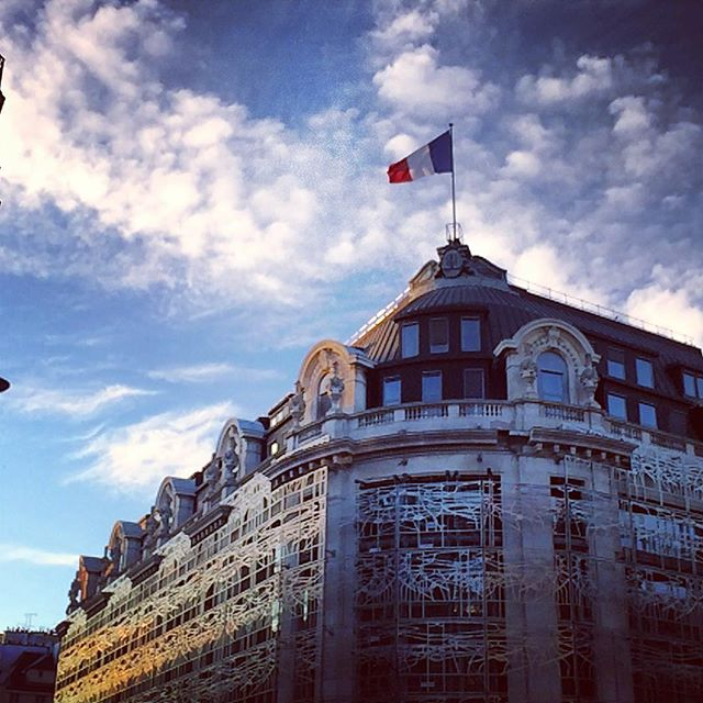 #France #frenchproud #weekend #ministeredelaculture #culture #monument #architecture #sky #flag #weekend